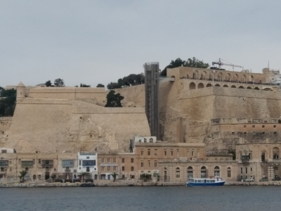 Malta winda z nadbrzeża do La Valetty